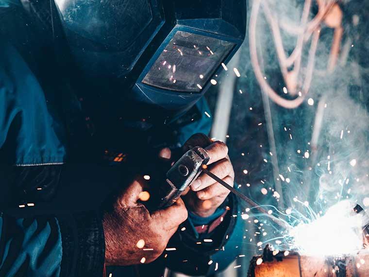 Metallverarbeitung und Metallschleiferei Straub Metallverarbeitung